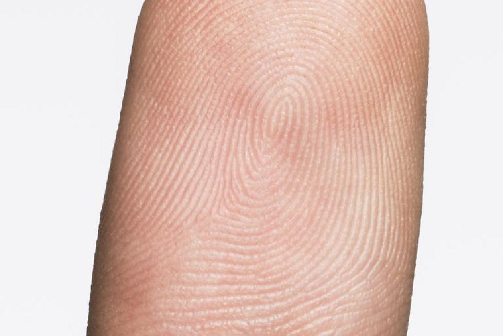Дали ќе ги изгубам моите отпечатоци од прсти до капецитабин?