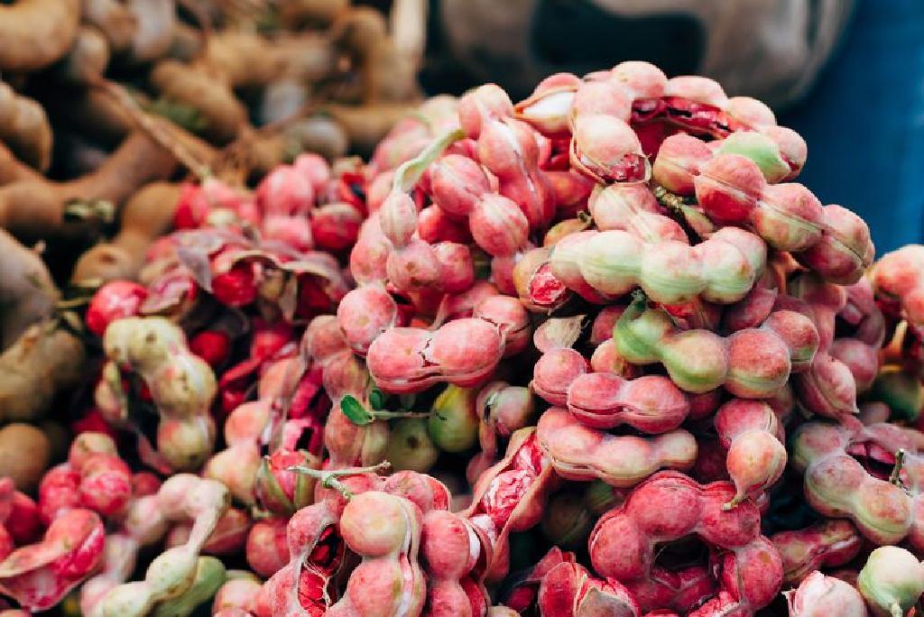 17 Cele mai bune beneficii ale sucului de tamarind pentru piele, păr și sănătate