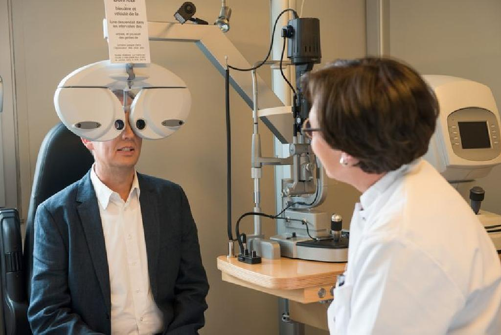 examinare oculară cu reducere antecedente de boli oculare