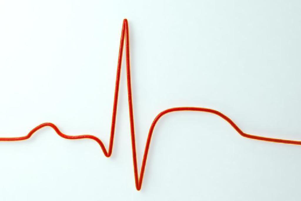 Kas sukelia širdies priepuolį: išsiaiškinkite, kokie veiksniai sukėlė išpuolį - Distonija November